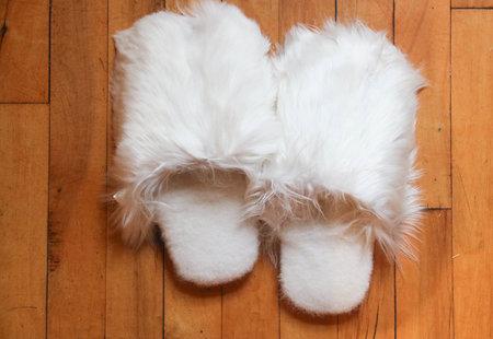 CLIC Alpaca Slippers - White