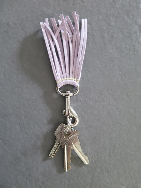 Ystävä Short Tassel Key Chain -  Lavender
