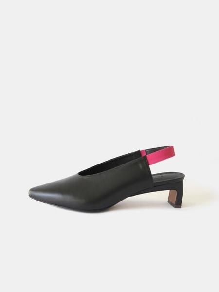 SOLANDROWA Pointed Toe Slingback Heel - Black