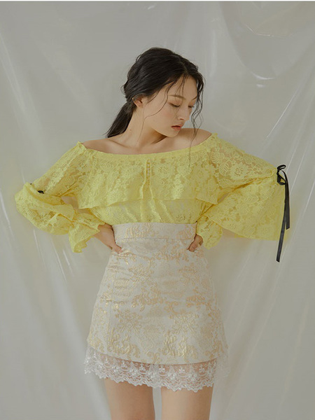 CAPRICIEUX Daisy Lace Off Shoulder Blouse - Yellow