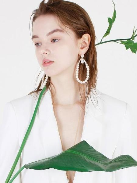 DE LA LUNE Pearl Bloom Earring - White