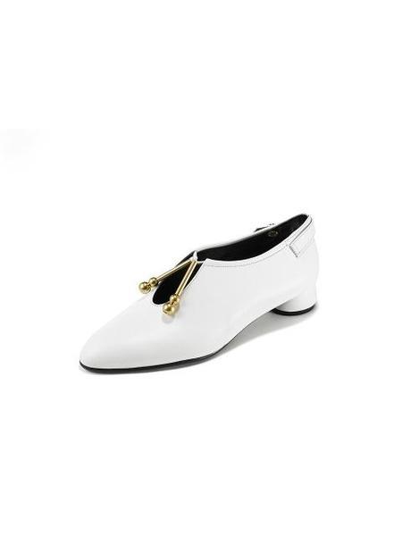SALONDEJU Slim Round Toe Flats - White