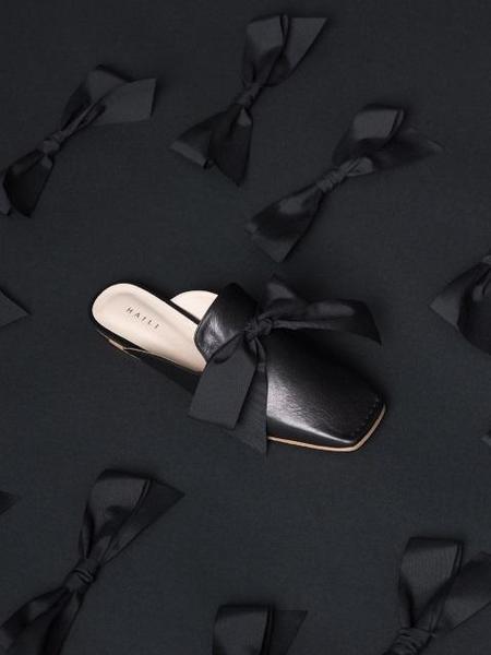 HAILI Ribbon Romance Mule - Black