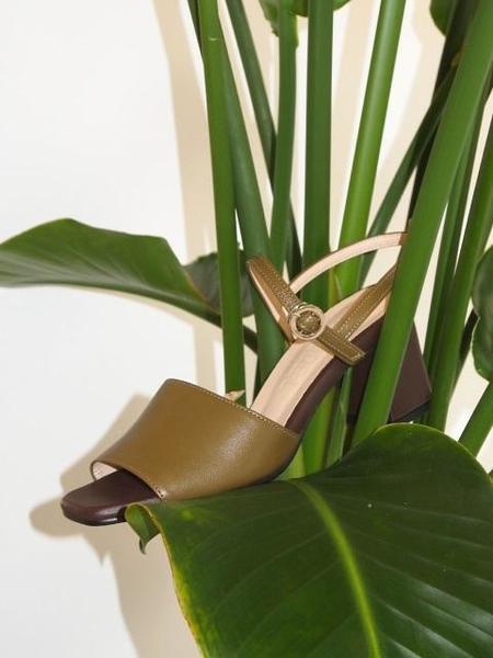 ATTITUDE;L Vin Sling back Sandals - Khaki Brown