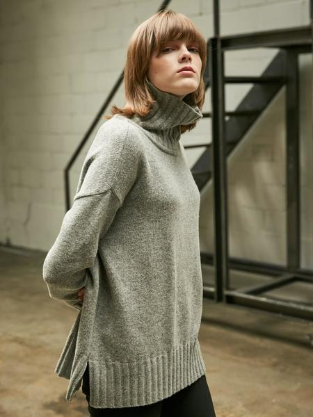 Collabotory Basic Slit Turtleneck Knit - Melange Gray
