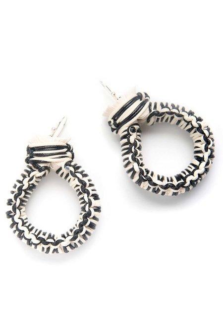Caralarga Cazadora Earring - Black/Ivory