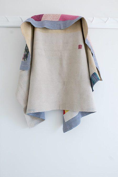Karu Vintage Kantha Quilt - Blue/White Border