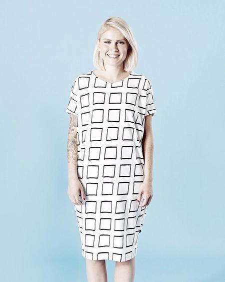 MAINIO Frames Dress - WHITE