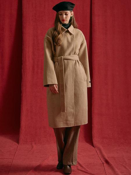 INUSWAY Hook Handmade Coat - Beige
