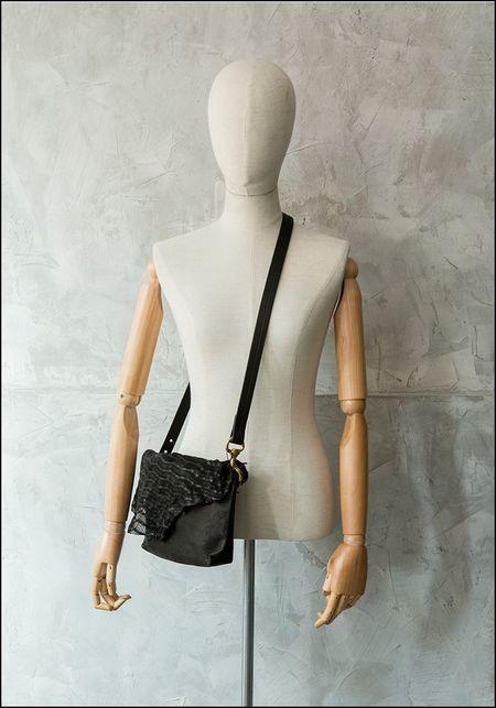 Claudio Cutuli Laser Cut Leather Handbag - BLACK