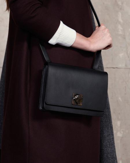 b3da1f14f89e ... The Stowe Evelyn Lock Veg Tanned Shoulder Bag - Black