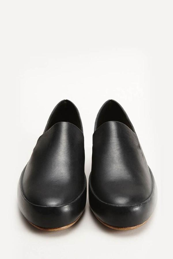 FEIT Black Hand-sewn Slipper