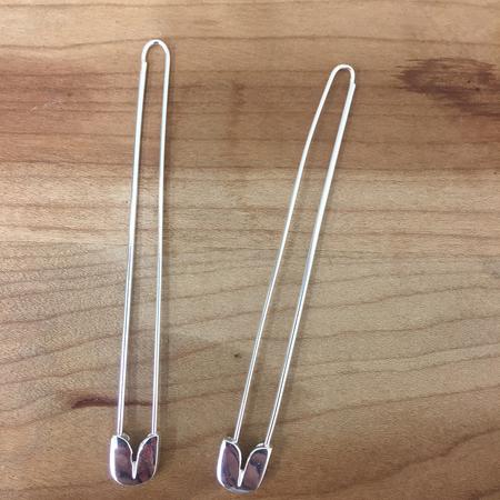 A Détacher SAFETY PIN EARRINGS - SILVER