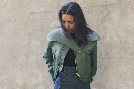 VEJAS CROPPED BOMBER JACKET - GREEN