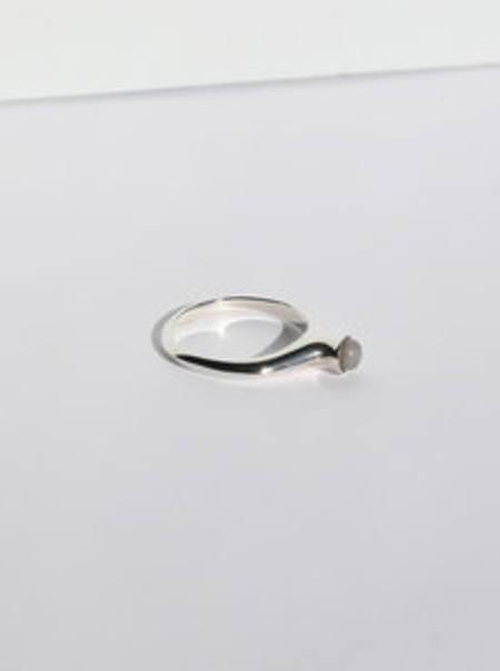 MORGAN REED droplet ring - Sterling Silver/Moonstone