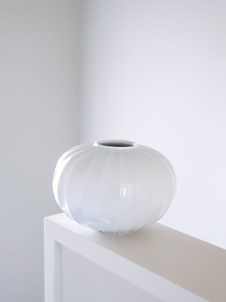 Jinho Jeong Carved Jar