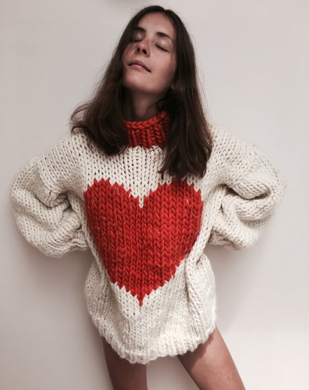 The Knitter Happy Hearts Knit - IVORY/RED