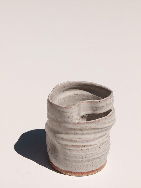 Asobimasu Clay Small Kyokusen Vase - CHALK WHITE