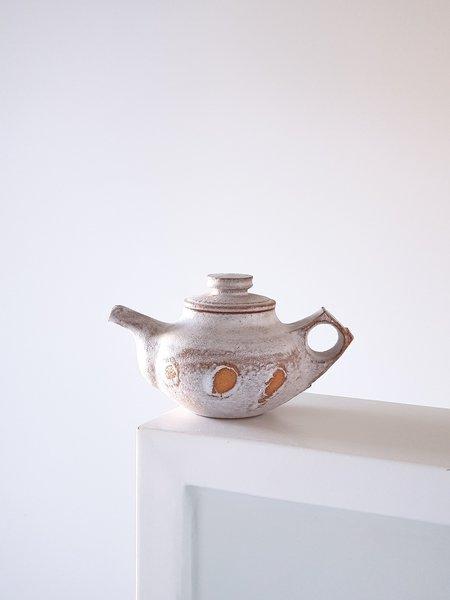 Jinho Jeong Teapot