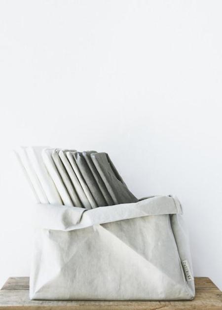 Uashmama - Vassoio Bag in White, Cashmere, Dark Green, Black or Dark Grey
