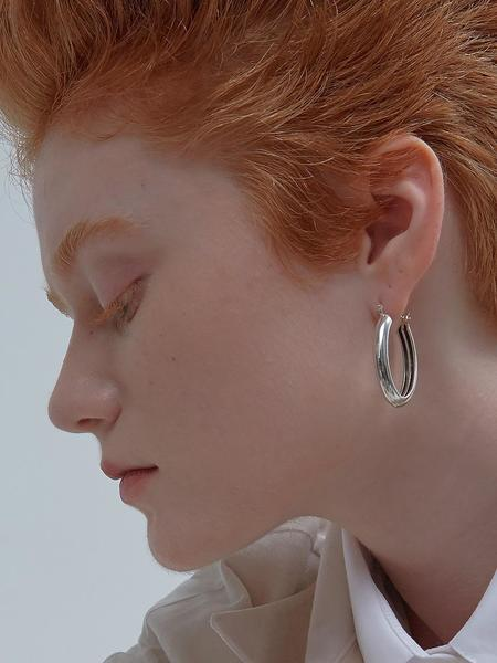 090FACTORY Hidden Lines Oval Earring - Silver