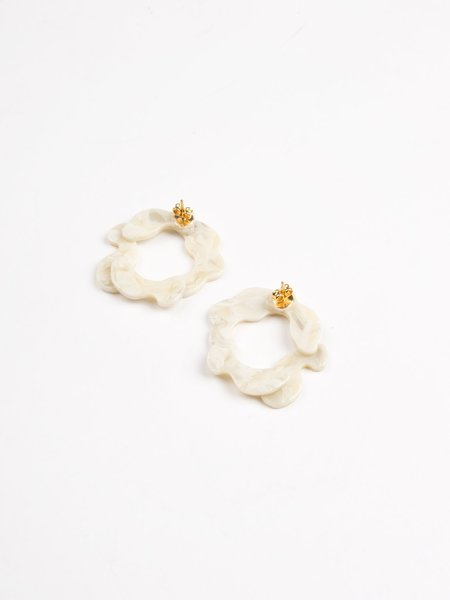 Après Ski Imbali Marble Earrings - White