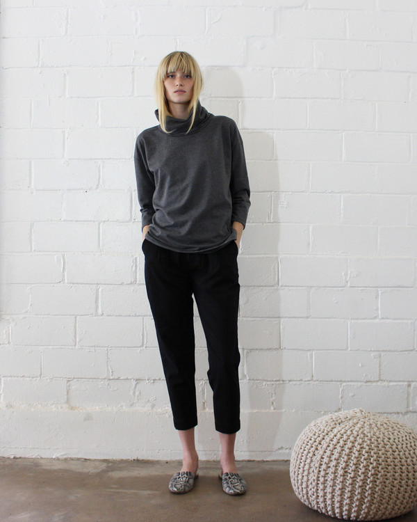 esby ST. ANN TURTLENECK - DARK GREY