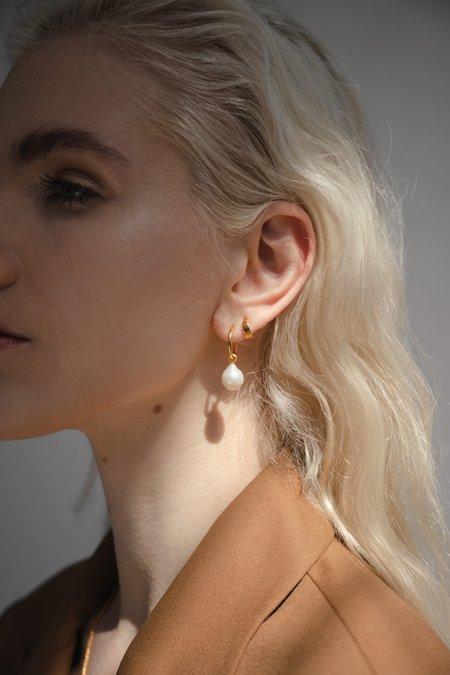 Flash Jewellery Eva Pearl Sleeper Hoops