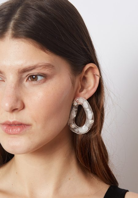 Mars Pearly Bean Studs