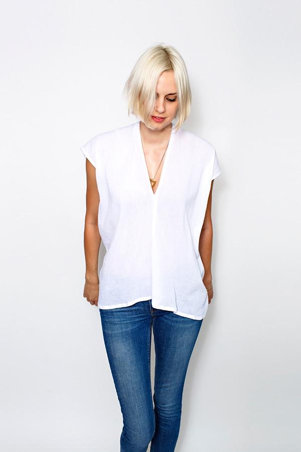 GRATITUDE COLLECTION White Everyday Top, Cotton