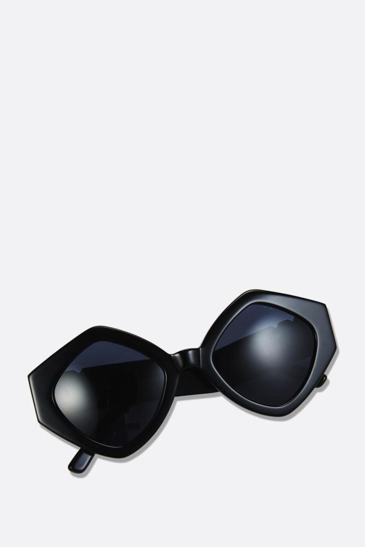 8b7af679d9 Pared Romeo and Juliet Sunglasses - Black