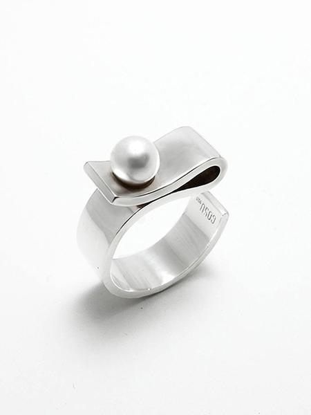 GOYU Pearl On The Money Clip Ring - Silver