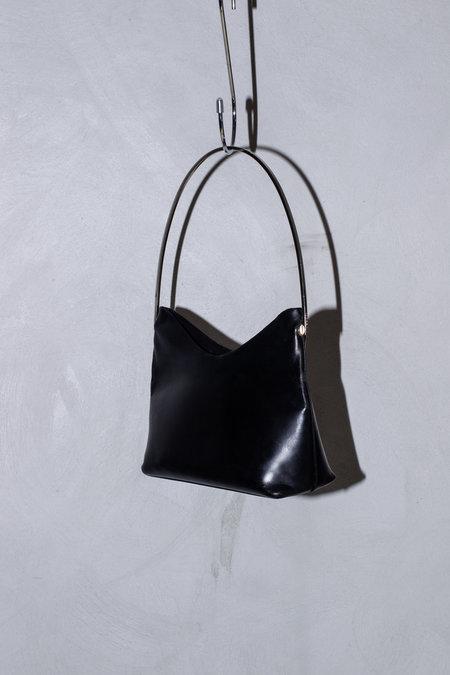 Vintage GUCCI ARCHIVE CHROME ARC SHOULDER BAG - black