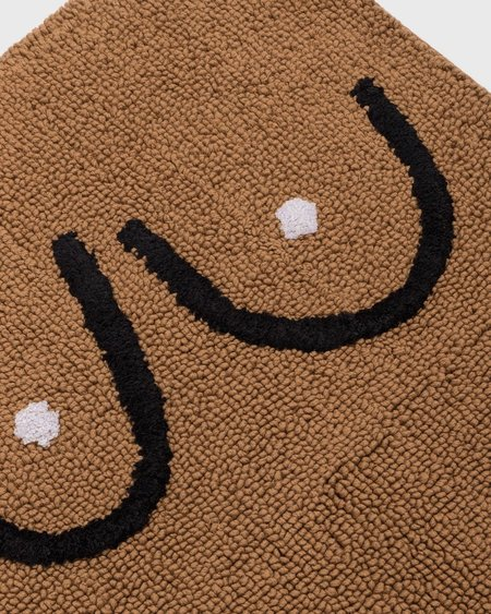 Cold Picnic Boobs Bathmat - Brown