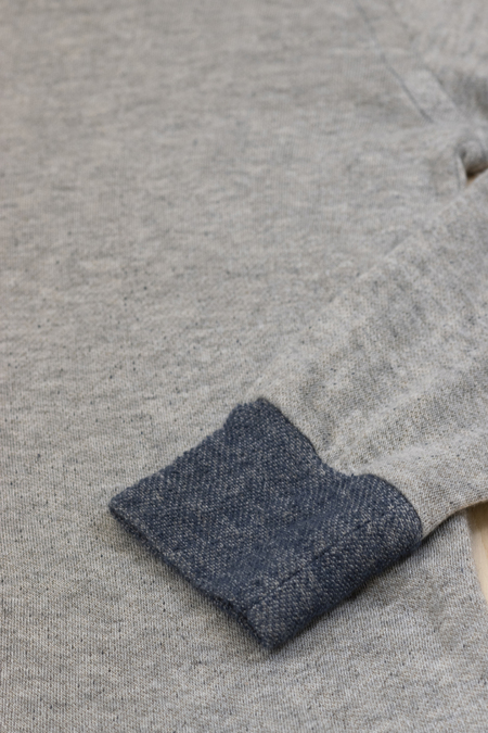 V :: ROOM Mini Fleece Long Sleeve Crewneck Top - NAVY