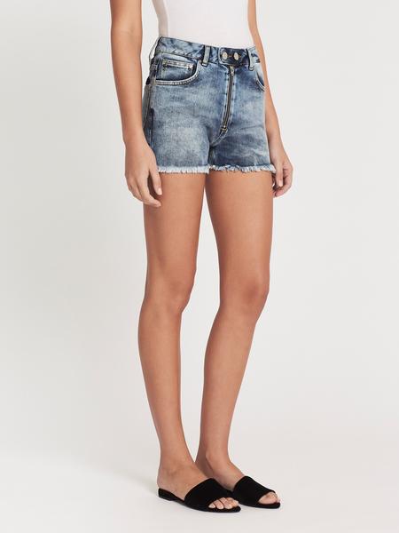 Zoe Karssen Dropped Pockets Bowie Mid Rise Shorts - Light Blue Wash