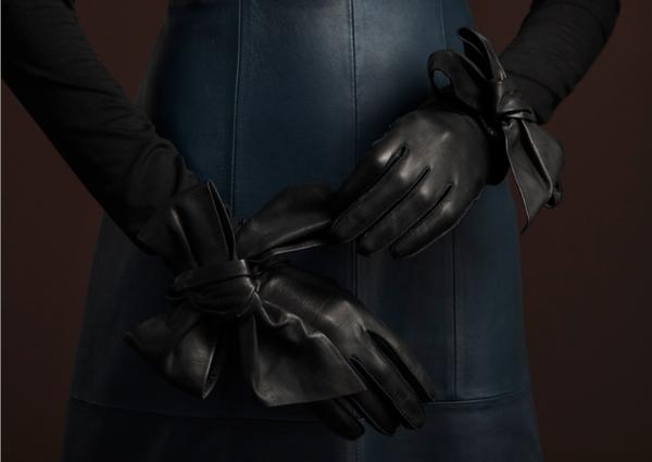 Yestadt Millinery Oversized Bow Gloves
