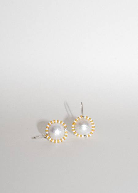 Zelda Murray Pearl Earrings - Yellow/White