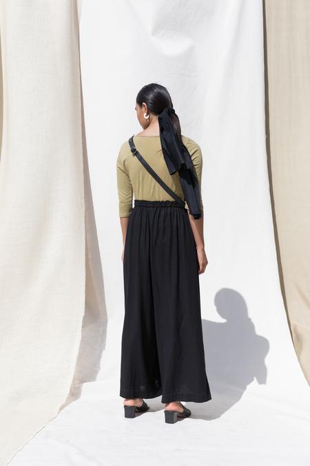 Pari Desai Kova Linen Pant in Black