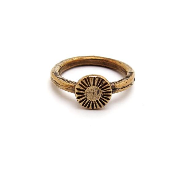 Laurel Hill Circle Relic Ring