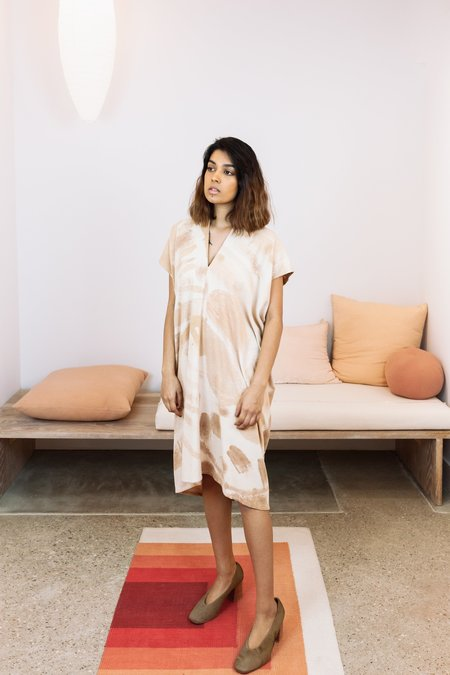 Miranda Bennett Sunrise Collection x Naomi Clark: Silk Noil Everyday Dress - Acacia, III