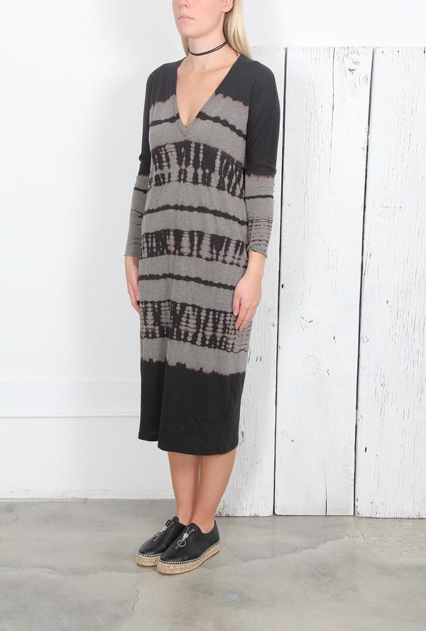 RAQUEL ALLEGRA BLACK TIE DYE JERSEY V-NECK DRESS