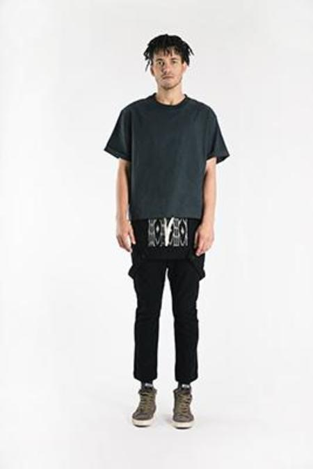 Unisex SEEKER Cinch Shirt - Black