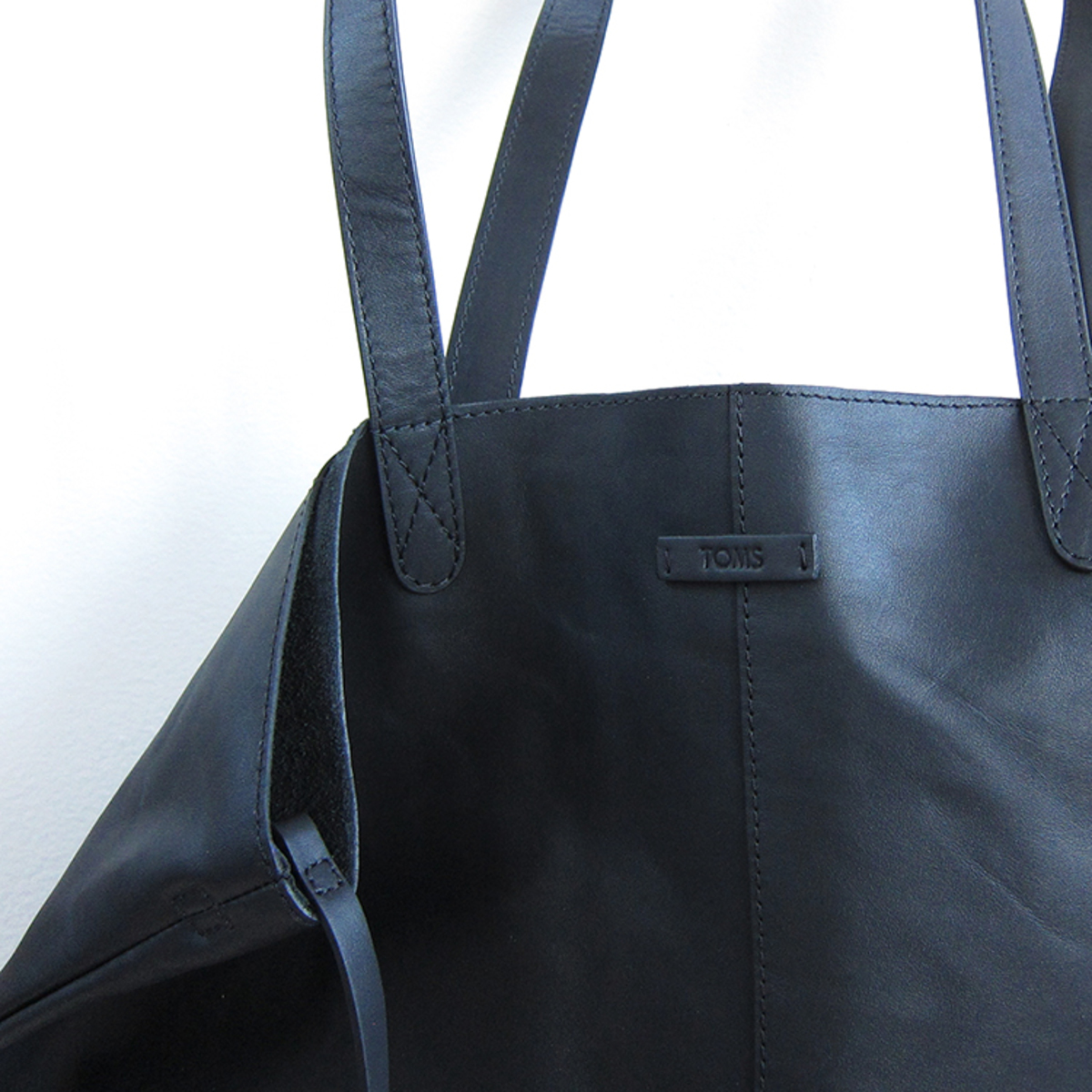 c8c7f3ff1ee Toms leather Cosmopolitan tote - black | Garmentory