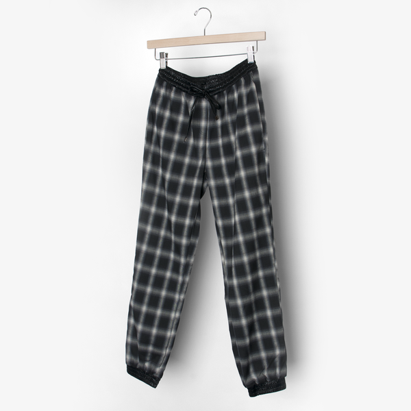 Line & Dot Plaid Jogger