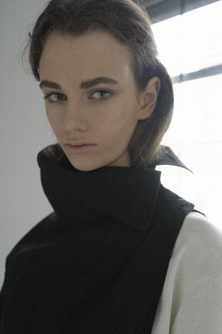 K M by L A N G E Linen Sleeve Layer - Black