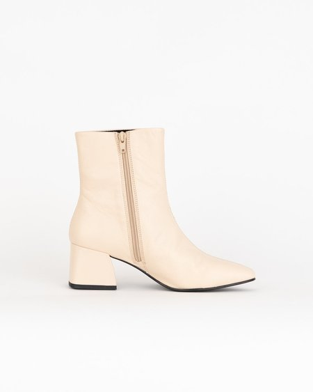 Vagabond Shoemakers Alice Boots - Toffee