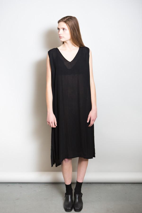 Revisited Crushed Cotton V-Dress / Black