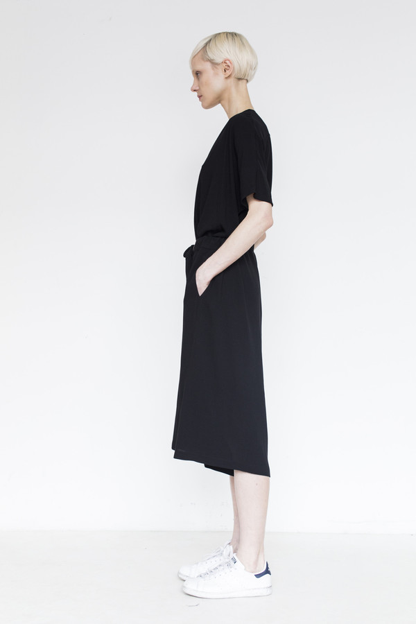 Assembly Crepe Baggy Short