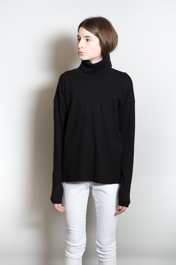 Kowtow Turning Pages Top
